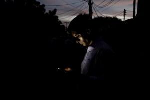 """Mega """"apagón rojo"""" dejó sin luz a Caracas y varios estados de Venezuela este #14Oct"""