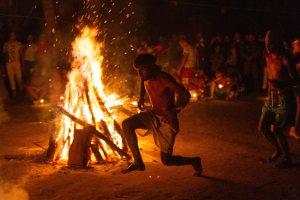 Fuego, tabaco y espíritus para acabar con la pandemia en Venezuela (Fotos)
