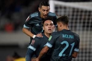 Argentina le sacó ocho puntos al tercero de la tabla tras vencer a Perú