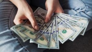 Estadounidense fingió durante años tener cáncer para obtener más de 100 mil dólares en donaciones