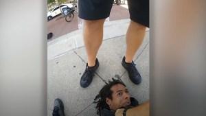 ¡Indignación en EEUU! Policía pisoteó la cabeza de un afroamericano esposado (Imágenes sensibles)