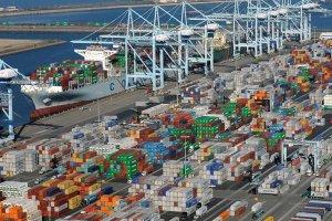 Puertos más grandes de EEUU siguen con demoras y agudiza la crisis en la cadena de suministro