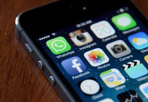 Apocalipsis digital: ¿Qué tan dependientes somos de las redes sociales? – Participa en nuestra encuesta