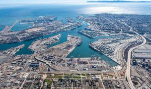Colapso en el puerto de Los Ángeles hace tambalear a EEUU